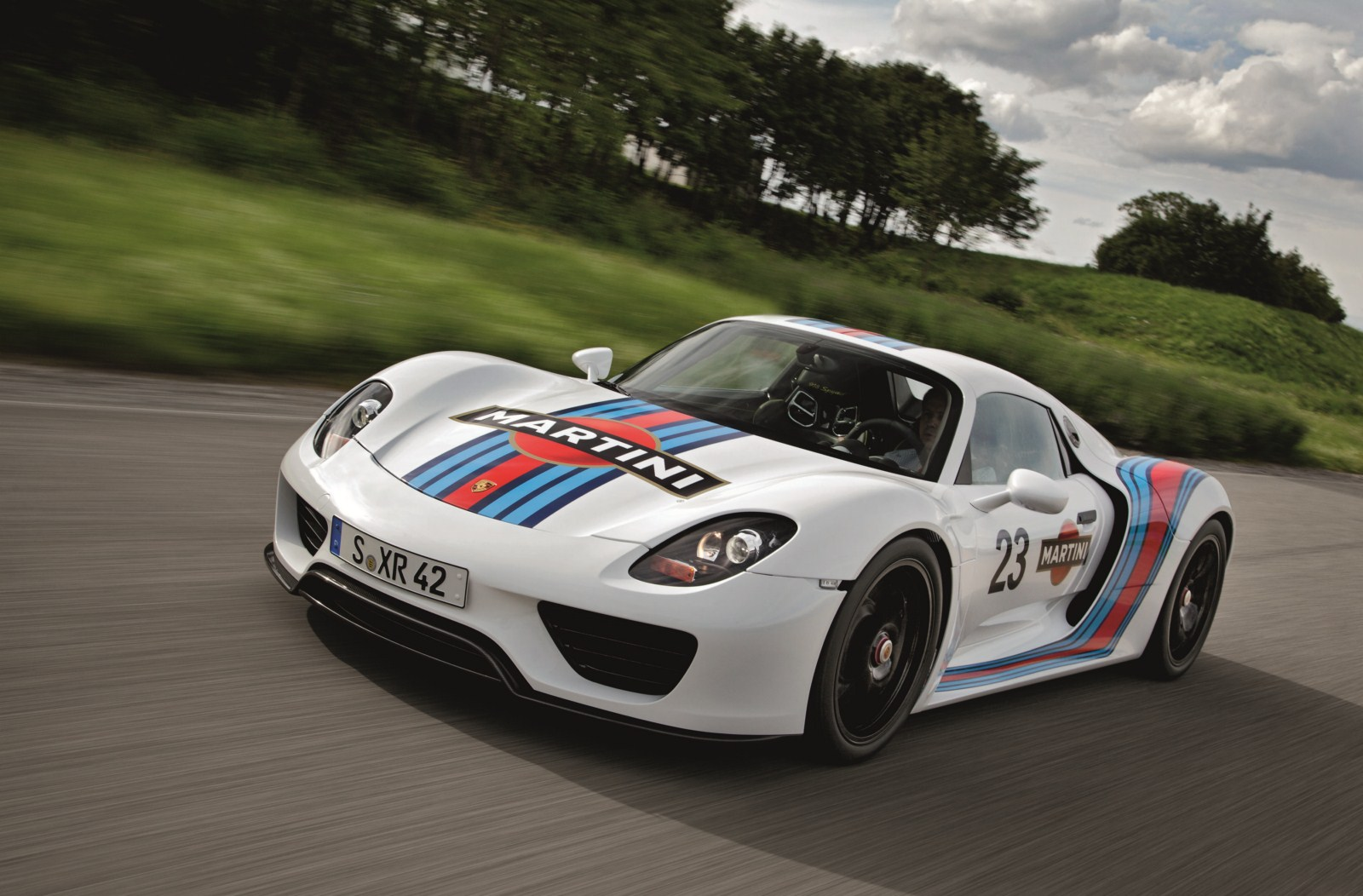 porsche 918 spyder gets legendary martini racing team brand livery. Black Bedroom Furniture Sets. Home Design Ideas
