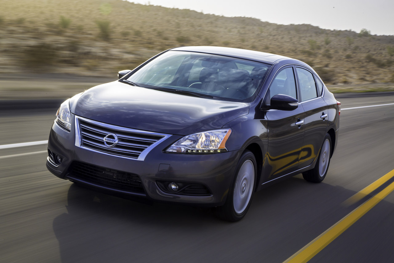 2013 Nissan Sentra Debuts with 40 MPG and Crosshairs on Corolla, Civic
