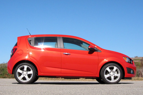 quick spin 2012 chevrolet sonic ltz 1 4 turbo more power and efficiency. Black Bedroom Furniture Sets. Home Design Ideas