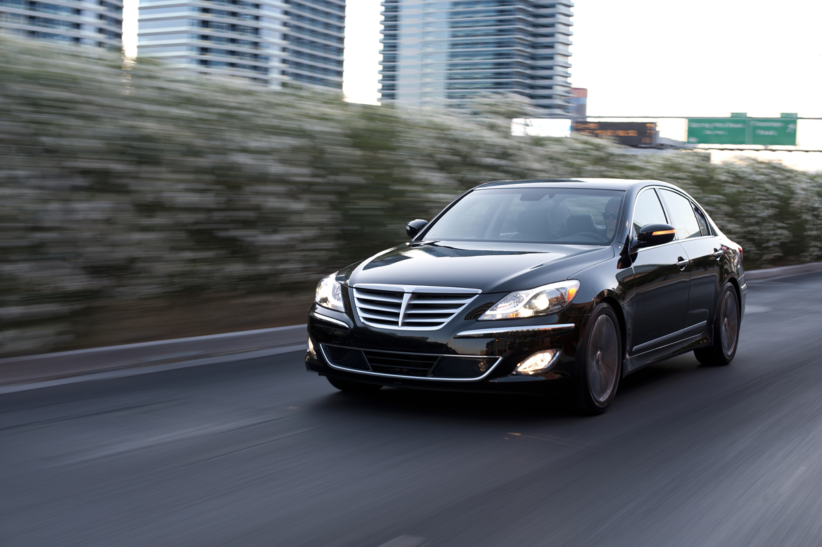 2013 Hyundai Genesis Loses 4 6-Liter V-8 Option