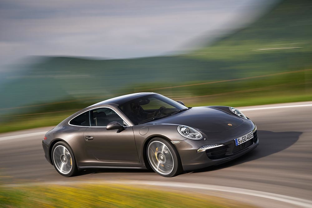Porsche Announces New Carrera 4 Models: Video