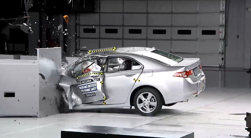 IIHS Implements New 'Small Overlap' Crash Test: Video