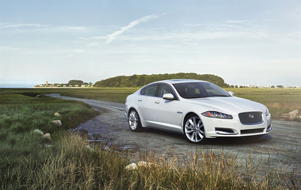 Jaguar Adds New Engines And AWD To XF And XJ Lineup