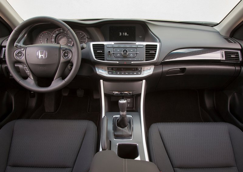 2013 Honda Accord Gets Better with 36 MPG and 100 MPGe PlugIn Hybrid