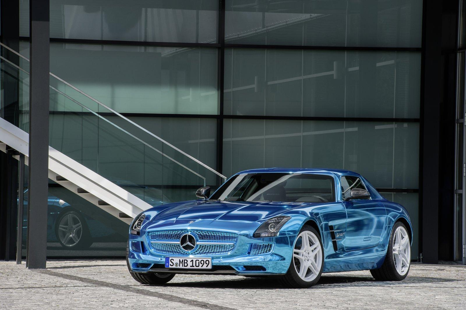 Mercedes benz sls electric drive electrifies at 2012 paris for Mercedes benz electric sls