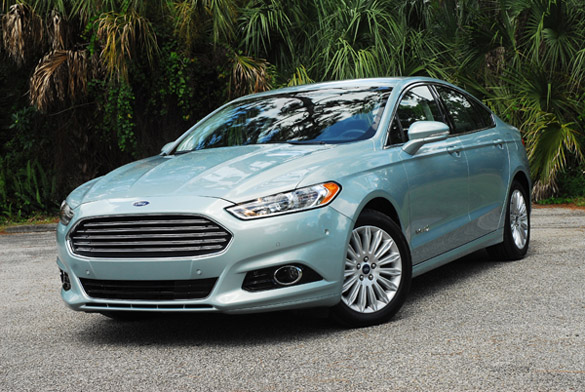 2013 Ford Fusion SE Hybrid Review & Test Drive