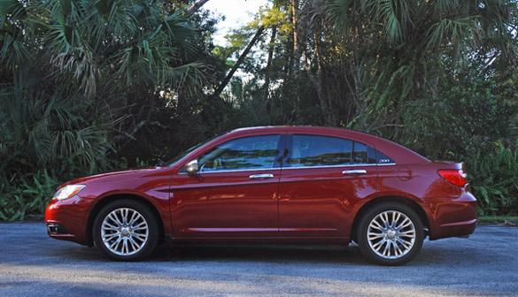 2012 chrysler 200 limited sedan review test drive. Black Bedroom Furniture Sets. Home Design Ideas