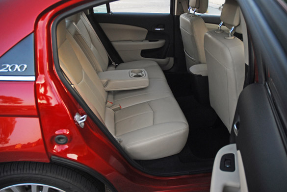 2012 Chrysler 200 Limited Sedan Review Amp Test Drive