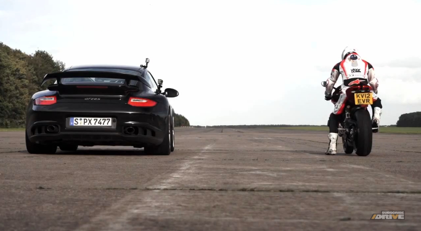 Chris Harris Races A Porsche 911 GT2 RS Against A Ducati 1199 Panigale: Video