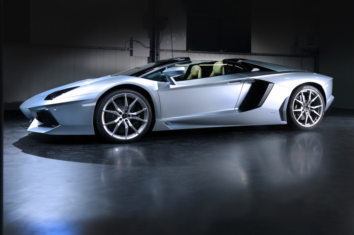 lamborghini shows off the aventador lp700 4 roadster. Black Bedroom Furniture Sets. Home Design Ideas