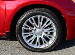 2013-chrysler-200-convertible-wheel-tire