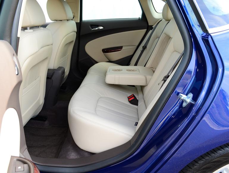 2013-buick-verano-turbo-reart-seats