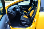 2013-ford-focus-st-front-seats-1