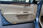 2013-lexus-es300h-hybrid-door-trim