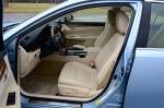 2013-lexus-es300h-hybrid-front-seats