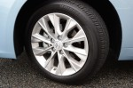 2013-lexus-es300h-hybrid-wheel-tire
