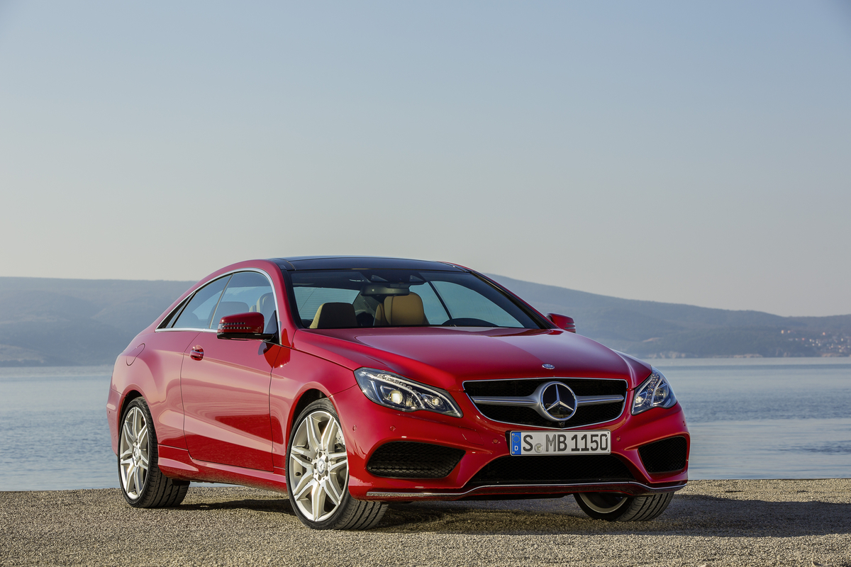 Mercedes benz shows the 2014 e class coupe and cabriolet for Mercedes benz forum e class
