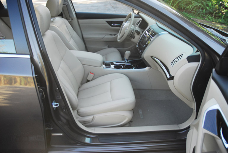 All New 2013 Nissan Altima SL 35 Front Seats Small