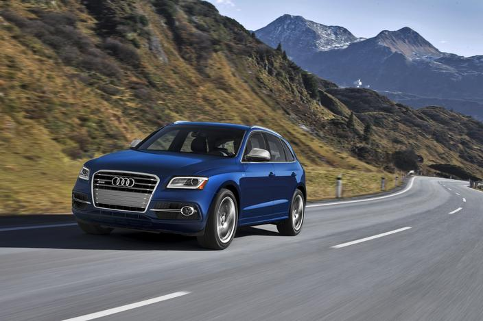 Audi Previews SQ5 Crossover Ahead Of Detroit Reveal
