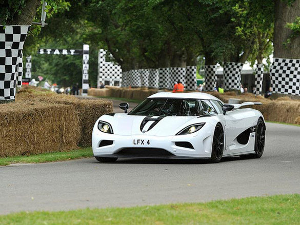 Goodwood Festival of Speed Parade of Supercars: Video & Images