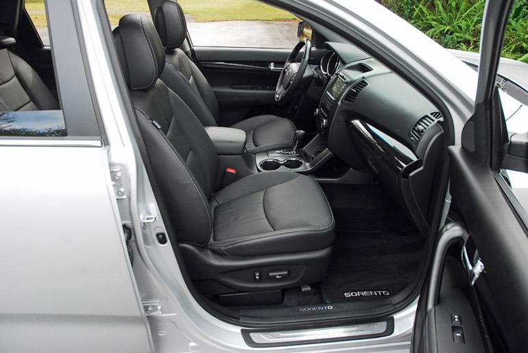 2013 Kia Sorento SX Front Seats Done Small