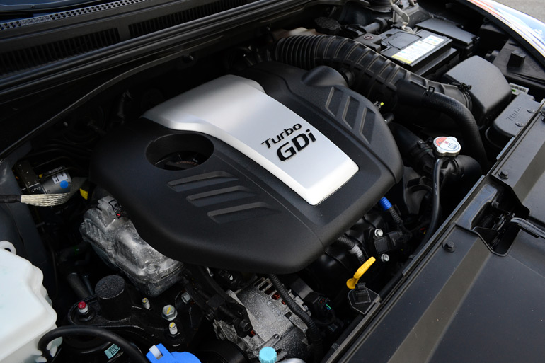 2013 hyundai veloster turbo 6 speed manual review test drive rh automotiveaddicts com Hyundai Veloster Turbo Automatic Hyundai Veloster Interior Automatic