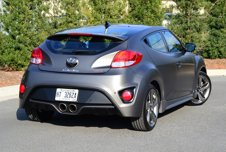 2013-hyundai-veloster-turbo-rear-1