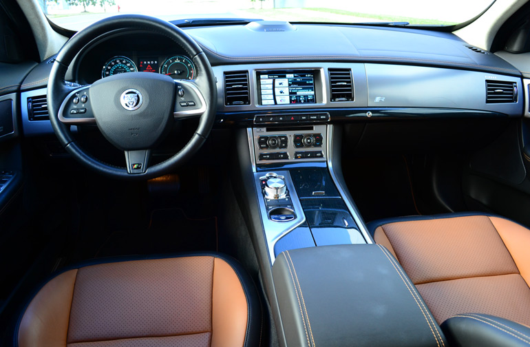 2013-jaguar-xfr-dashboard