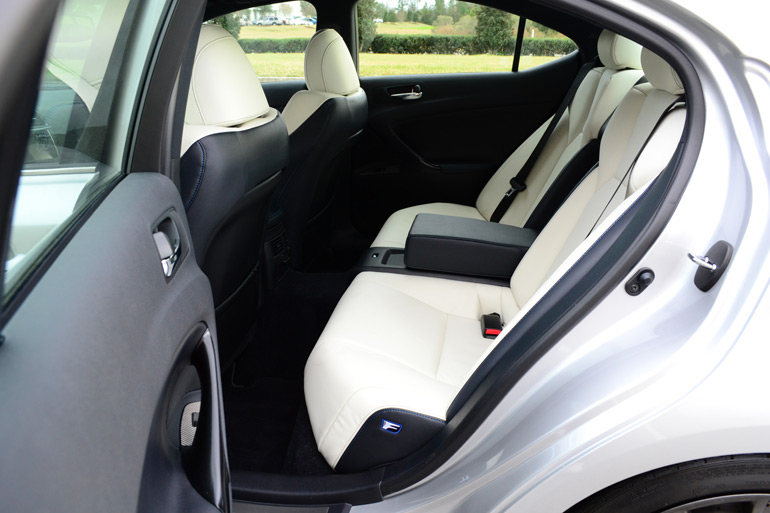2013-lexus-isf-rear-seats