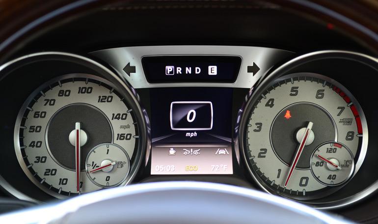 2013-mercedes-benz-sl550-gauge-cluster
