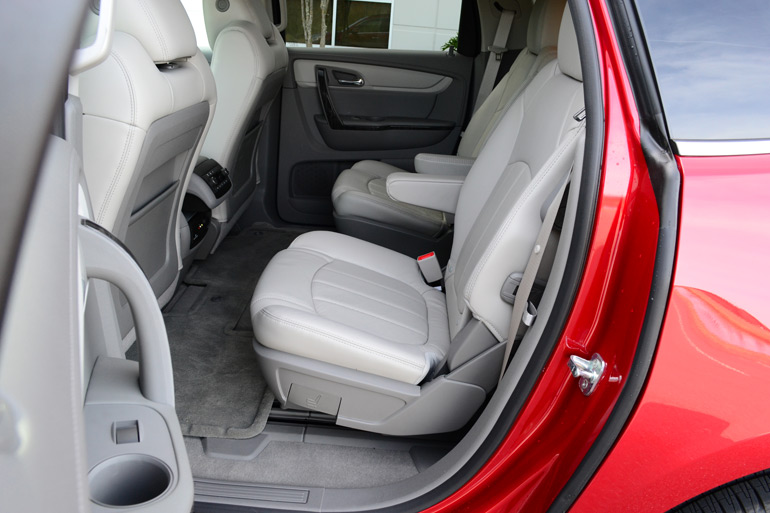 2013-chevrolet-traverse-2nd-row-seats