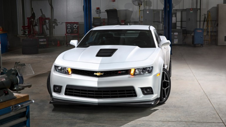 2014 Chevy Camaro Z/28 Reveal Stuns New York Auto Show