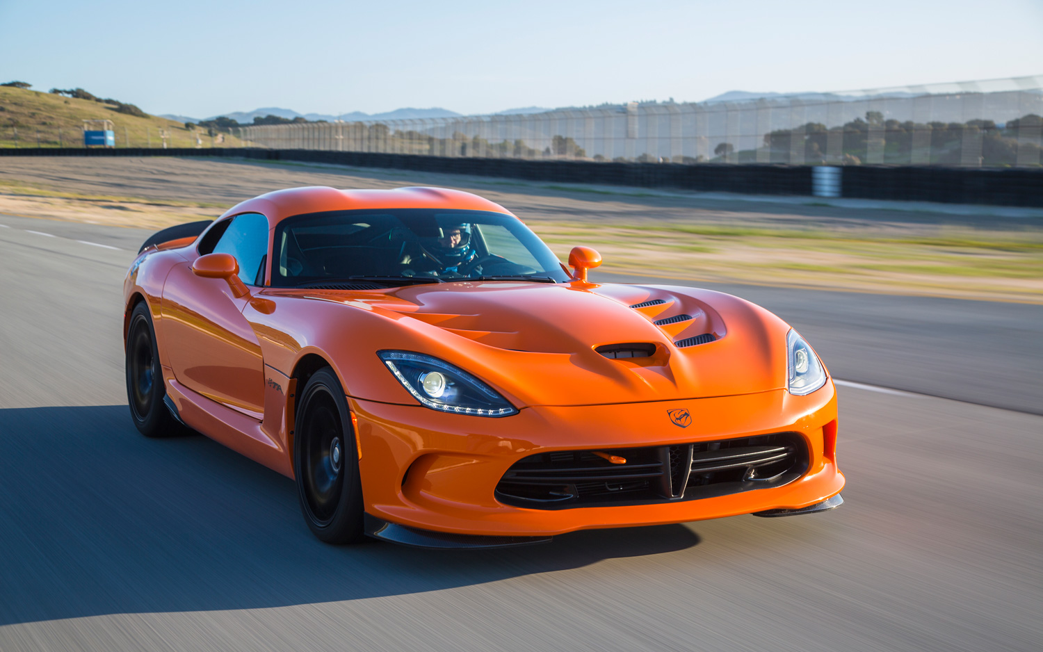srt viper ta time attack is ralph gilles answer to the zr1 video. Black Bedroom Furniture Sets. Home Design Ideas