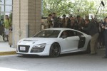 Tony Stark (Robert Downey Jr.) drives the Audi R8 e-tron - image: Audi