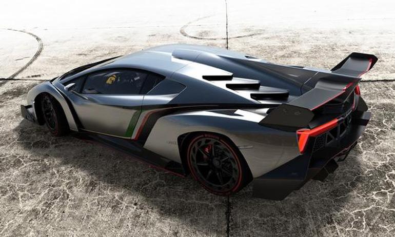 Lamborghini-Veneno-at-geneva-motor-show-2