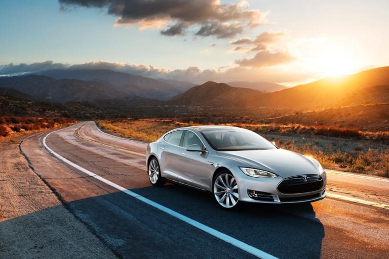 2013 Tesla Model S - image: Tesla