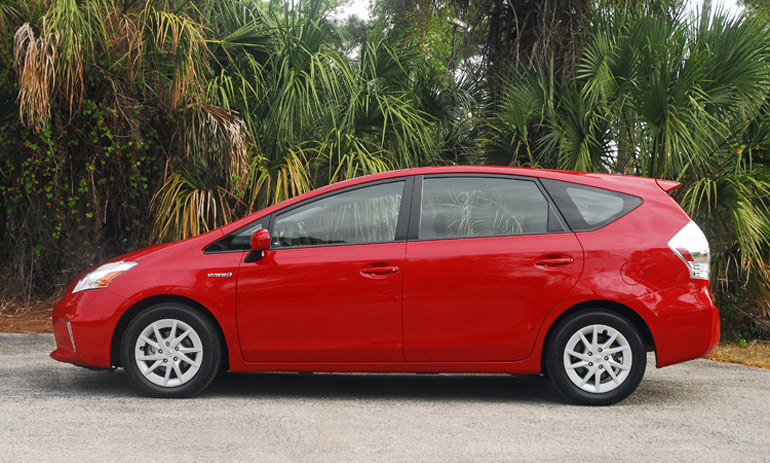 2013 Toyota Prius V Beauty Side Done Small