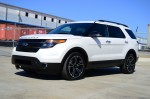 2013-ford-explorer-sport-side
