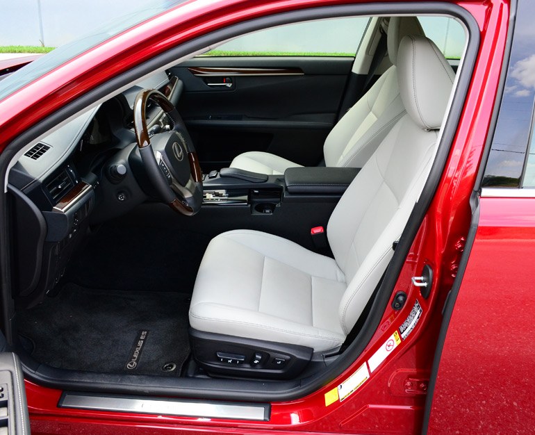 2013-lexus-es350-front-seats