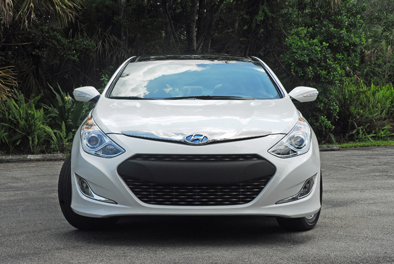 2013 Hyundai Sonata Limited >> 2013 Hyundai Sonata Hybrid Limited Review & Test Drive