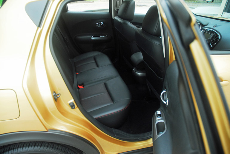 2013 Nissan Juke Midnight Special Back Seats Done Small