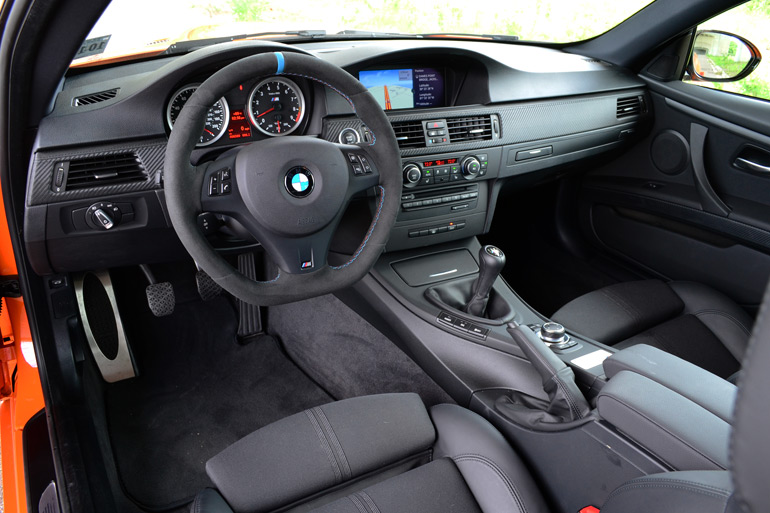 2013-bmw-m3-lime-rock-park-edition-dashboard