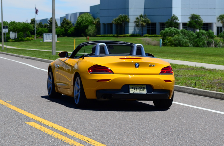 2013-bmw-z4-sdrive28i-rear