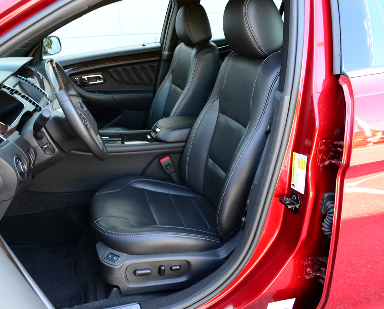2013-ford-taurus-2-liter-limited-ecoboost-front-seats