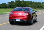 2013-ford-taurus-2-liter-limited-ecoboost-rear