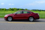2013-ford-taurus-2-liter-limited-ecoboost-side