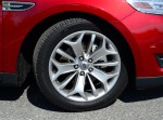 2013-ford-taurus-2-liter-limited-ecoboost-wheel-tire