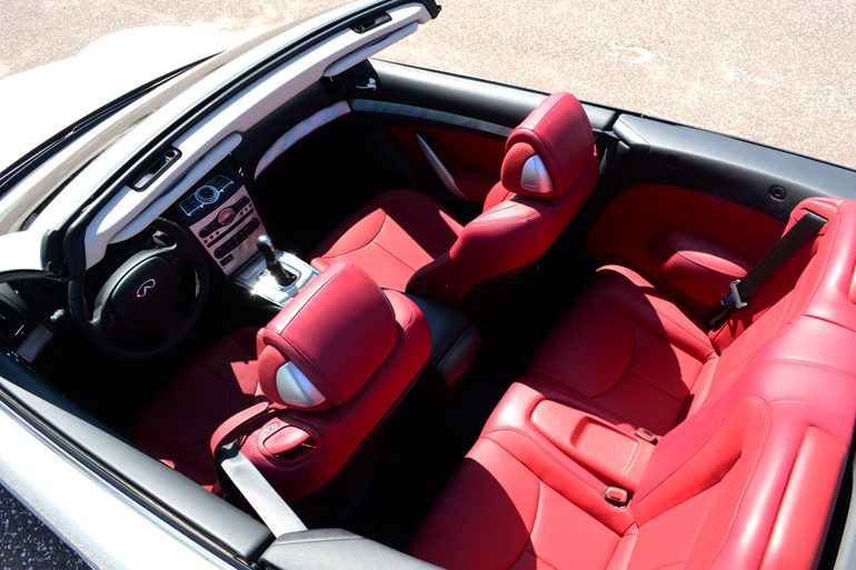 2013-infiniti-g37-ipl-convertible-interior