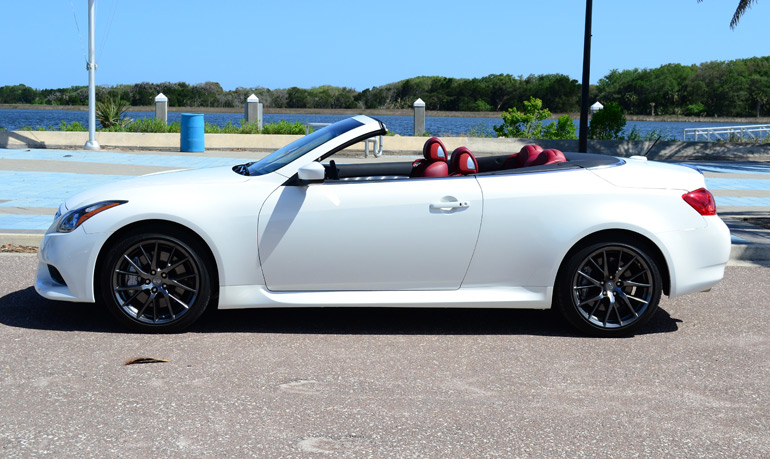2013-infiniti-g37-ipl-convertible-side