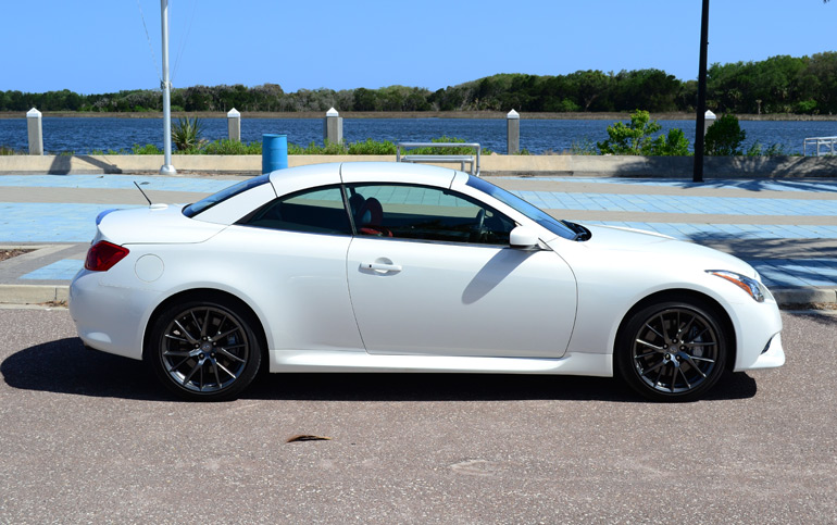 2013-infiniti-g37-ipl-convertible-top-up-side